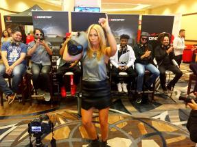Pili Montilla, Hostess of Te Para Tres/MEGA TV Dancing with her Monster Boombox